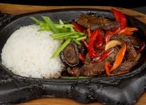 Говяжий язык с овощами в соусе Терияки