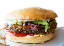 Бургер с говяжей котлетой